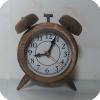 ساعت رومیزی چوبی زنگدار