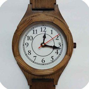 ساعت دیواری چوبی متوسط