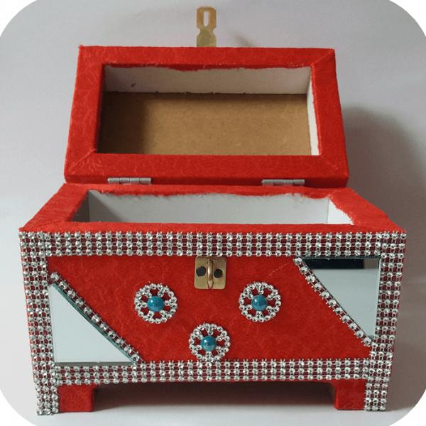 صندوق چوبی کوچک