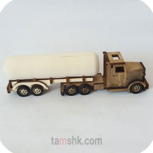کامیون چوبی